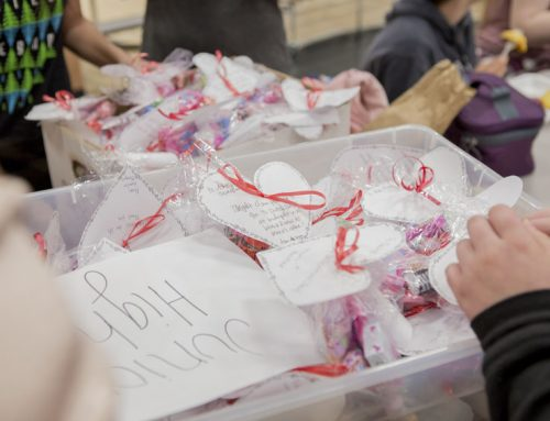 Middle school students sell candy grams, proceeds support Pinedale Elementary School