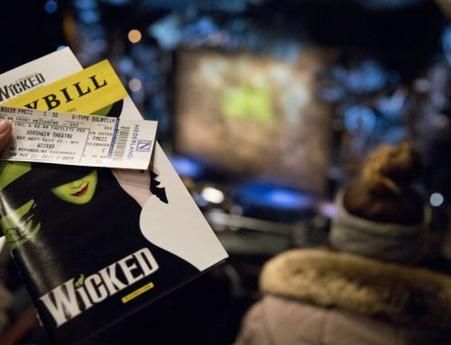 Wicked cast entertains as lead characters shine